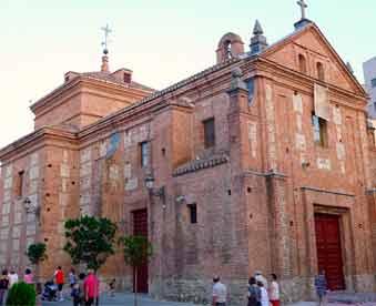 Ermita-de-Nuestra-Señora-de-los-Santos-en-Móstoles-en-mudanzas-Mostoles-Valencia